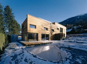Haus aus Massivholz